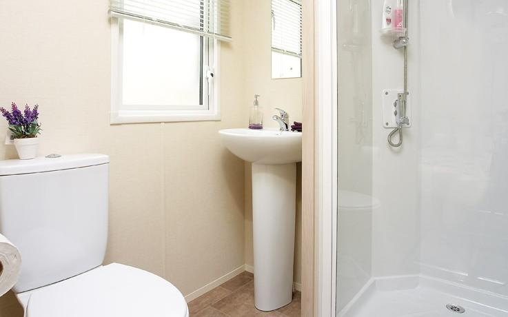 2016-Atlas-Moonstone-toilet