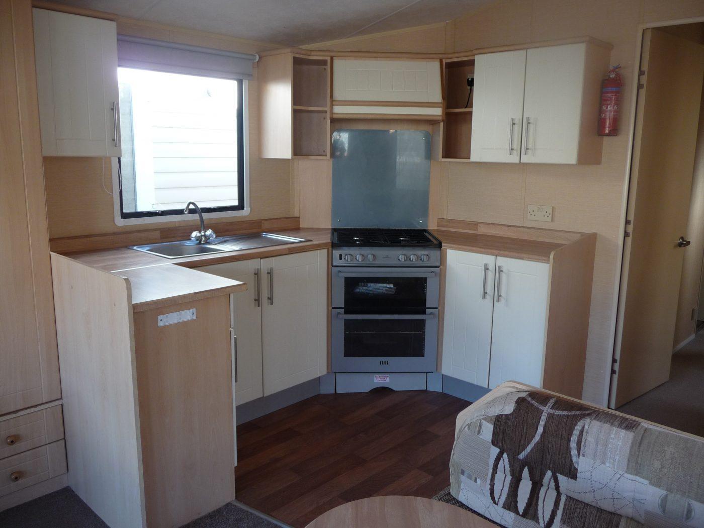Willerby Savoy Kitchen - Smyth Leisure Mobile HomesSmyth Leisure ...