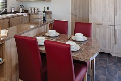 carnaby-helmsley-lodge-dining-area
