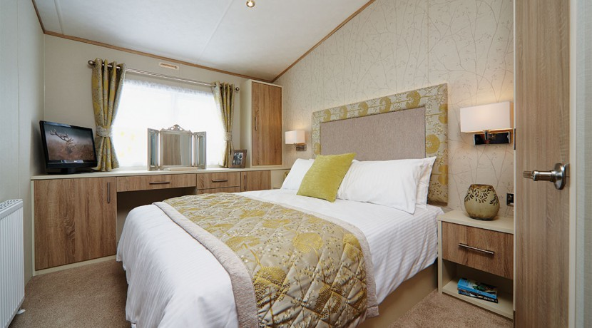 carnaby-helmsley-lodge-master-bedroom