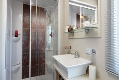 carnaby-helmsley-lodge-toilet2