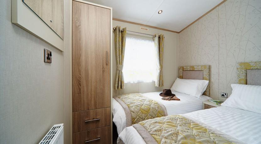 carnaby-helmsley-lodge-twin-bedroom