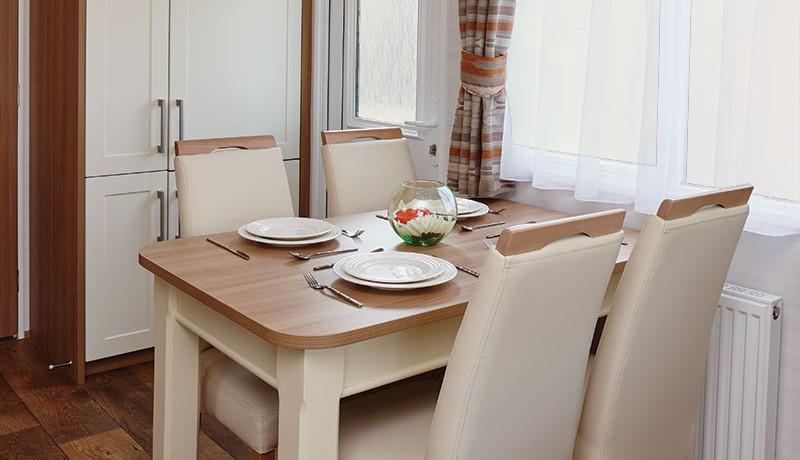 carnaby-serenade-dining-area