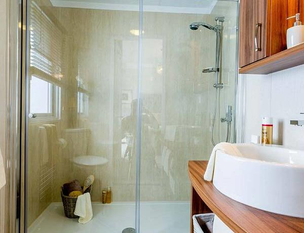 pemberton-rivendale-shower2