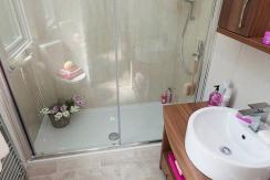 pemberton-rivendale-shower3