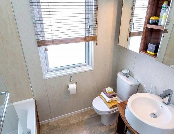 pemberton-rivendale-toilet