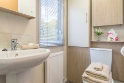 willerby-brockenhurst-bathroom