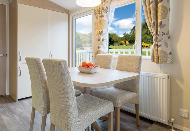 willerby-brockenhurst-dining-area