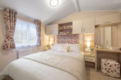 willerby-brockenhurst-master-bedroom