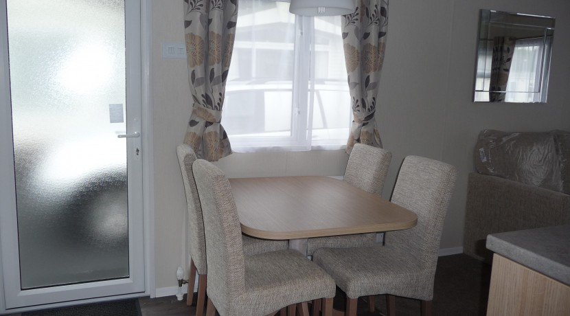 willerby-brockenhusrt-diningarea