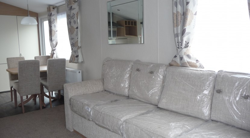 willerby-brockenhusrt-lounge2