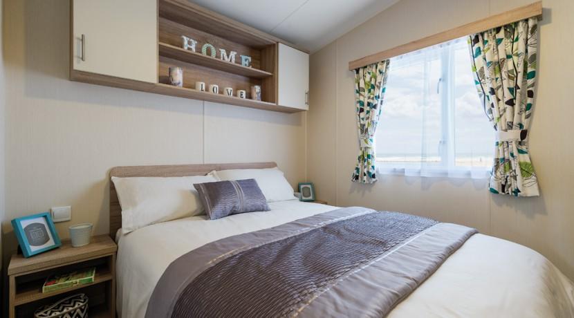 willerby-caprice-master-bedroom