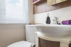 willerby-chambery-bathroom