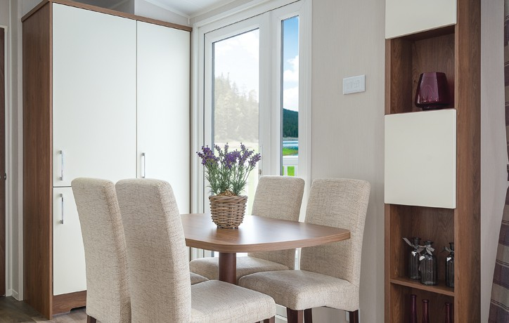 willerby-chambery-dining-area