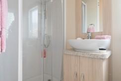 willerby-rio-gold-shower
