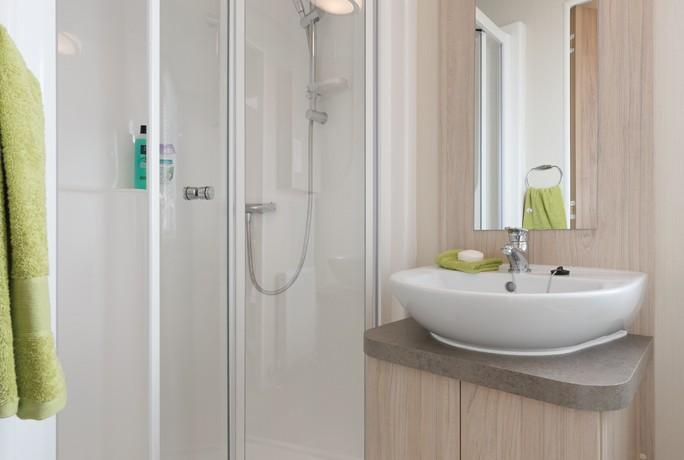 willerby-rio-premier-showers