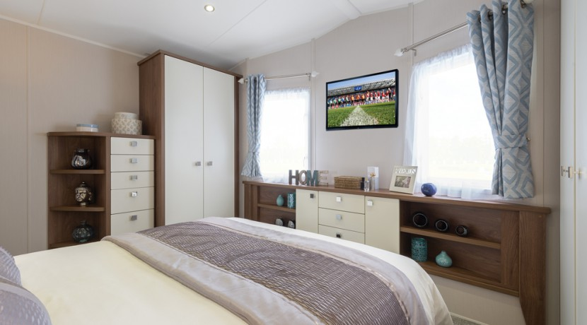 willerby-skyline-master-bedroom2