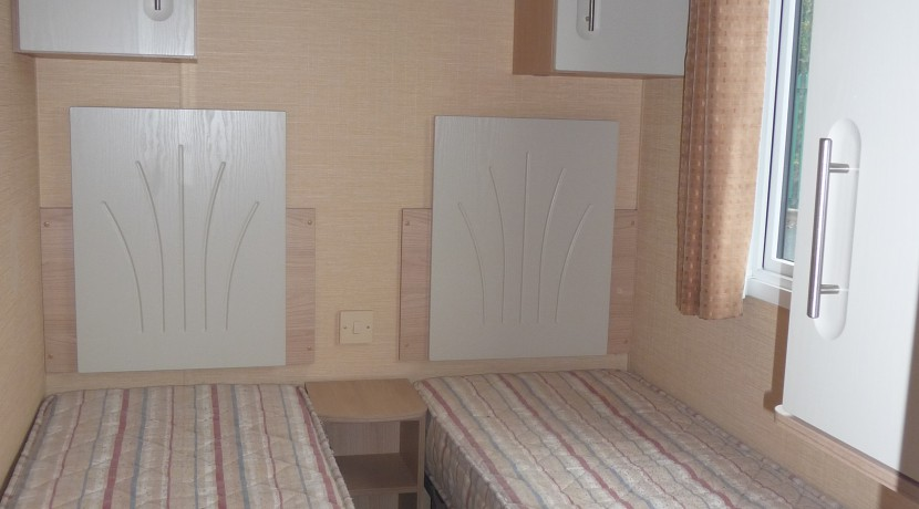 willerby-westmoreland-twin-bedroom2